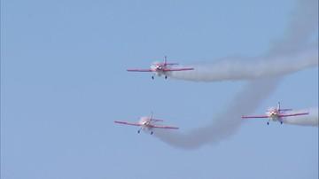 Pokazy lotnicze podczas głównych uroczystości Święta Lotnictwa. Odsłonięto pomnik gen. Błasika