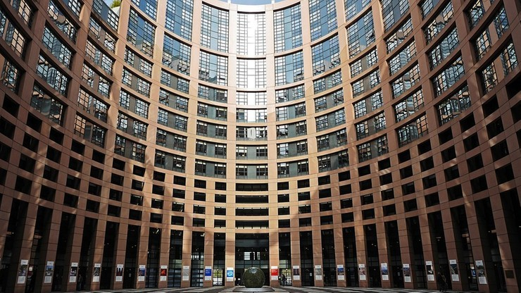 PE: praworządność w Polsce nadal zagrożona. PiS: sytuacja ma się dobrze