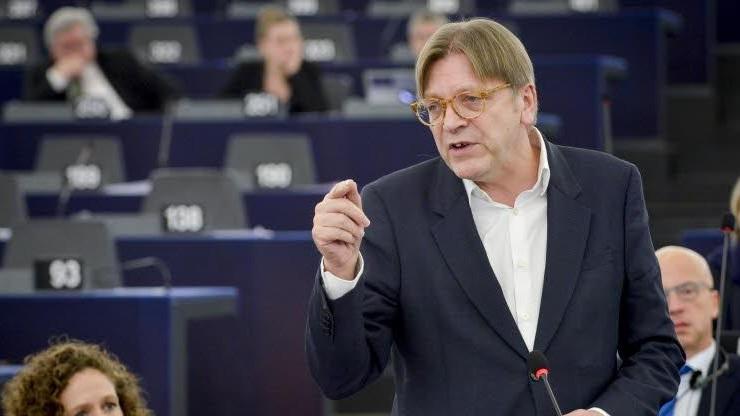 Guy Verhofstadt kandydatem liberałów na szefa europarlamentu