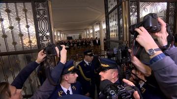 Zapisy kamer z Sali Kolumnowej będą opublikowane - zapewnił Blaszczak