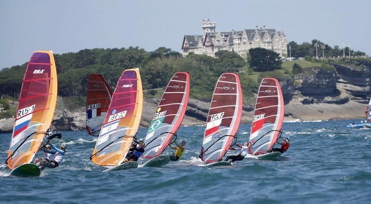 Tokio 2020: Dwudziestu polskich żeglarzy w przedolimpijskich regatach w Enoshimie