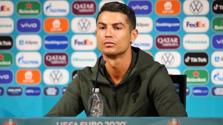 Ronaldo schował butelki coli na konferencji. Firma straciła 4 mld dolarów