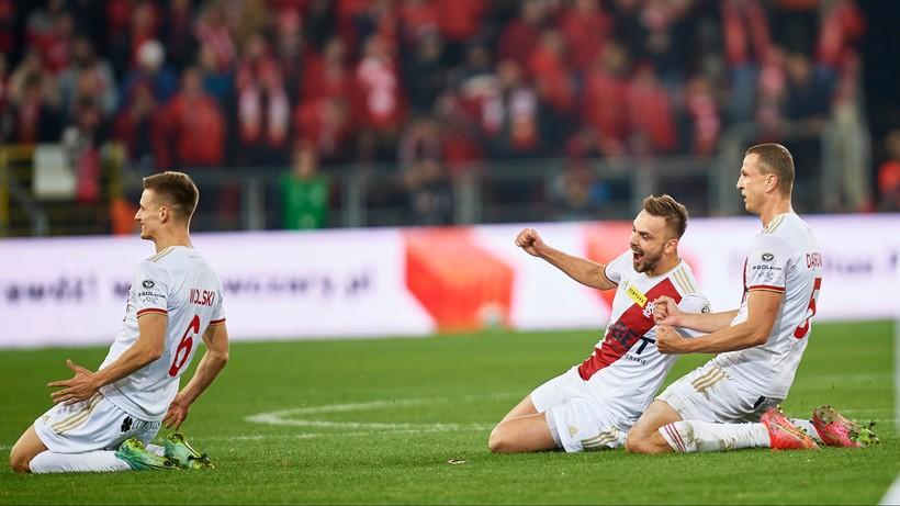 """Fortuna 1 Liga: """"Bezkrólewie"""" w Łodzi! Widzew zremisował z ŁKS po niesamowitym meczu"""