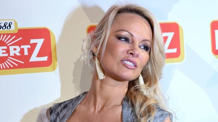 """Pamela Anderson rozstała się z reprezentantem Francji. """"Prowadził podwójne życie"""""""