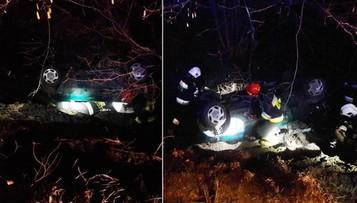 Samochód z czterema osobami spadł ze skarpy i wylądował w potoku na dachu. Cudem nikt nie zginął