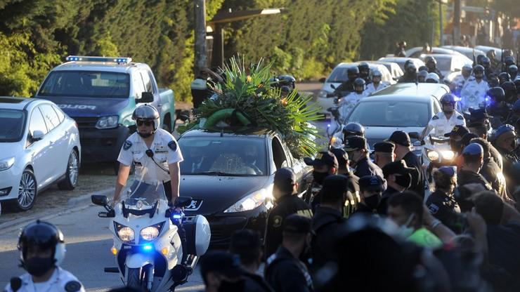 """Diego Maradona pochowany w """"Ogrodzie Pokoju"""" (WIDEO)"""