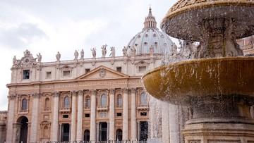 Proces w sprawie nadużyć finansowych w Watykanie. Wśród oskarżonych kardynał