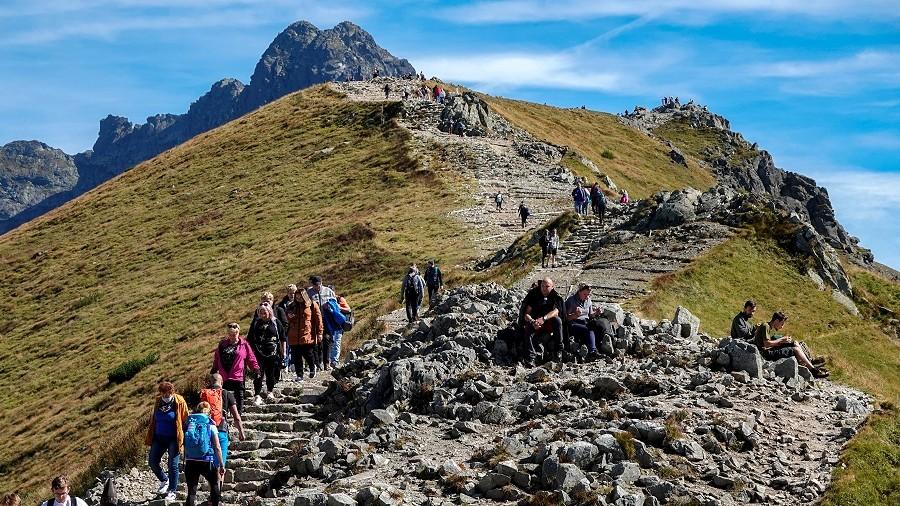 Widok na szczyt Beskid w Tatrach. Fot. TwojaPogoda.pl
