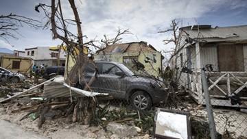 """Gubernator Florydy: jesteśmy na celowniku """"atomowego huraganu"""". Irma przybiera na sile"""