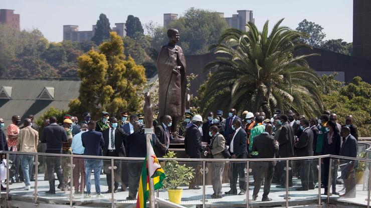 Zimbabwe. Wódz plemienny nakazał ekshumację zwłok byłego prezydenta Roberta Mugabego