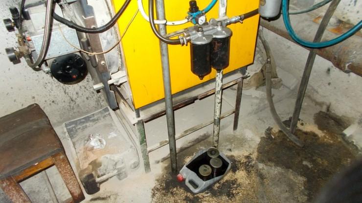 W warsztacie ciepło, a piec odcięty od gazu. Działał za to system na zużyty olej silnikowy