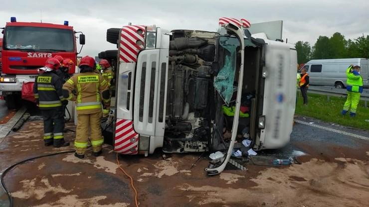 Śląskie. Wypadek ciężarówki na autostradzie A4. Droga była zablokowana