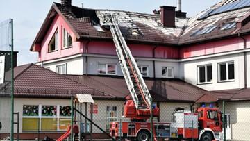 Pożar szkoły podstawowej w Cedzynie. Ewakuowano kilkanaście osób
