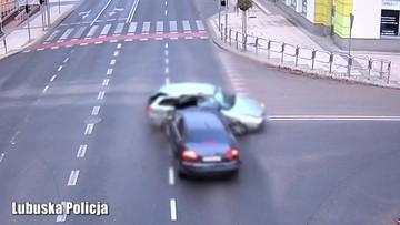 Zielona Góra. Groźny wypadek na skrzyżowaniu. Kierowca alfy zignorował czerwone światło