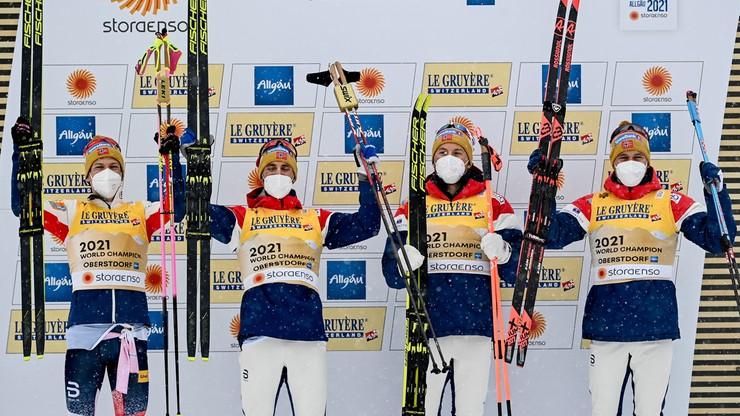 MŚ Oberstdorf 2021: Triumf Norwegów w sztafecie, Polacy zdublowani