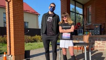 Przebiegła maraton wokół domu, by zebrać pieniądze dla lekarzy