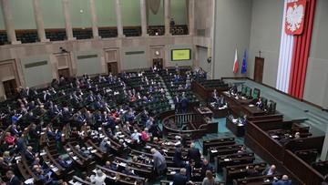 """PSL chciał, by jeden z rodziców mógł pracować krócej. Sejm odrzucił projekt """"Godzina dla rodziny"""""""
