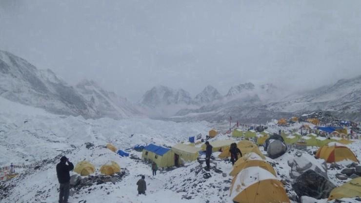 Covid-19 pod Mount Everest. To pierwszy taki przypadek
