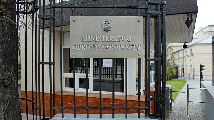 MON w czwartek powoła komisję, która wznowi badanie katastrofy smoleńskiej