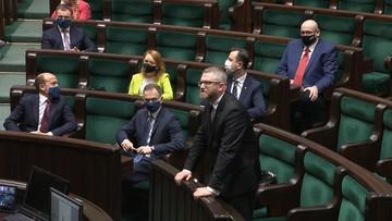 Grzegorz Braun wykluczony z obrad Sejmu. Nie chciał założyć maseczki