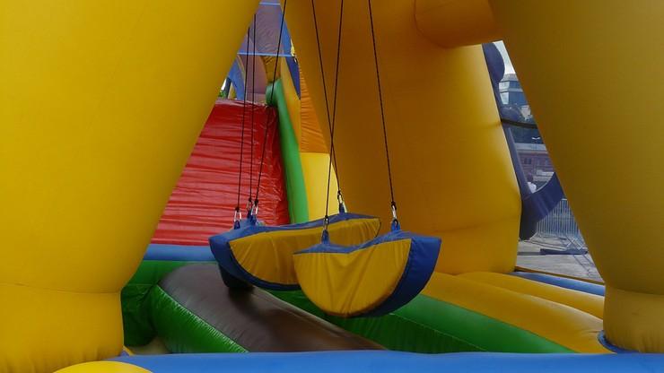 Tornado porwało dmuchany zamek, w którym bawiły się dzieci. Nie żyje dwoje z nich