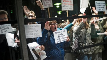 """""""Nie wolno honorować gwałciciela"""". Protest przeciwko Polańskiemu w Paryżu"""