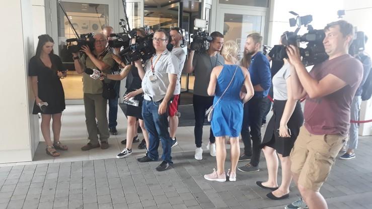 Dziennikarze czekają na przyjazd polityków PiS