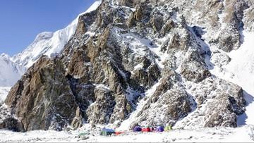 Znów wypadek na K2. Spadający kamień złamał rękę Rafałowi Froni. Dla himalaisty to koniec wyprawy