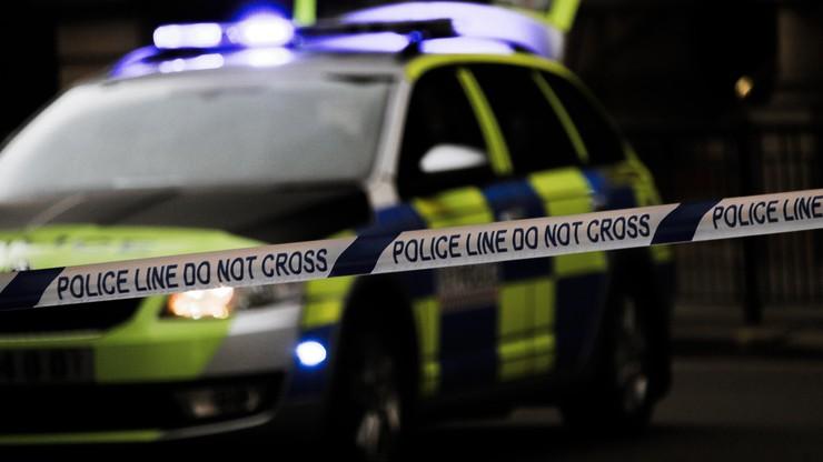 Wielka Brytania: ośmiotygodniowy chłopczyk zginął od ciosów nożem. Jego 2-letnia siostra w szpitalu