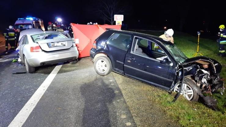 Zderzyły się trzy auta. Nie żyje młoda kobieta