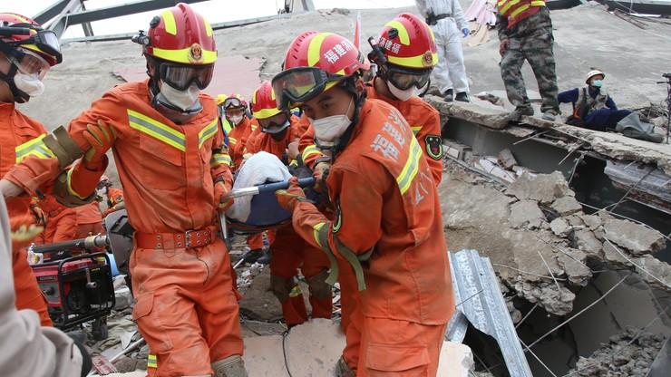 Pod gruzami hotelu spędzili 50 godzin. Matka z dzieckiem uratowani