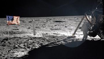 Amerykanie nie wylądowali na Księżycu, a Ziemia jest płaska? W co wierzą Polacy