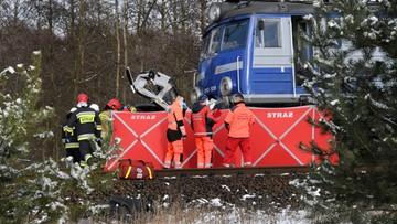 Śmiertelny wypadek na przejeździe kolejowym. Kierowca auta wjechał pod pociąg