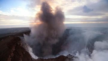 """Wybuch wulkanu na Hawajach. """"Z krateru wydobywają się fontanny lawy"""""""