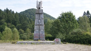 Pomnik Świerczewskiego w Bieszczadach do rozbiórki. Skutek ustawy dekomunizacyjnej