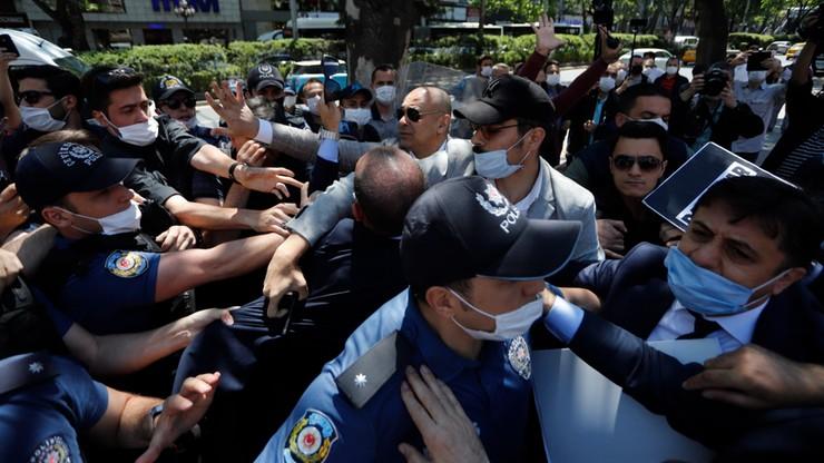 Nakazy aresztowania 275 wojskowych za związki z Gulenem