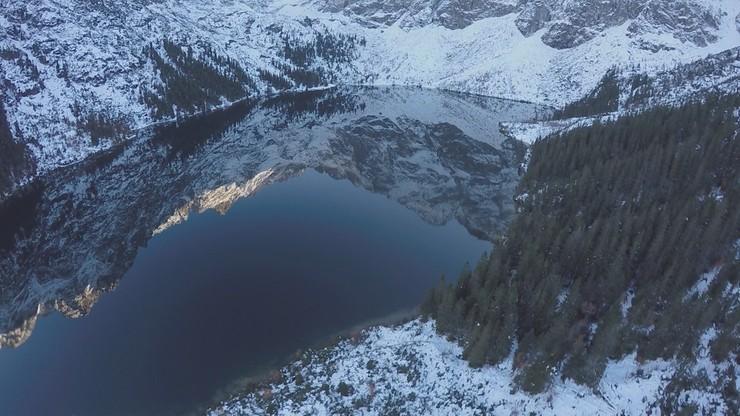 Trudne warunki w górach. Trzeci stopień zagrożenia lawinowego