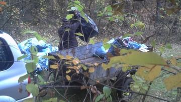 Zrobił remont, śmieci wyrzucił do lasu. Wpadł w fotopułapkę