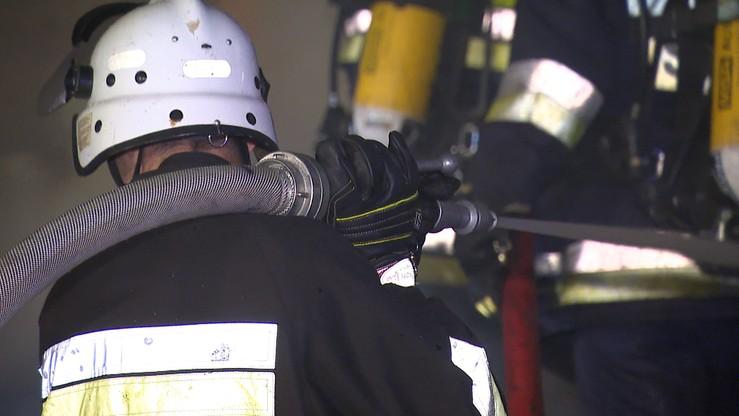 Ogień na wysypisku śmieci w Wielkopolsce. Kłęby dymu widać z kilku kilometrów