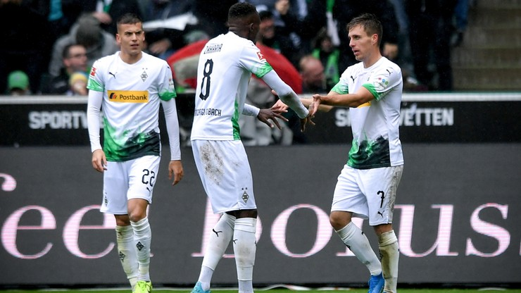 Borussia Moenchengladbach liderem Bundesligi, Wolfsburg drugi