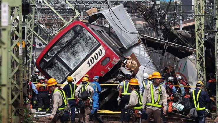 Zderzenie pociągu z ciężarówką w Japonii. Rannych zostało 35 osób