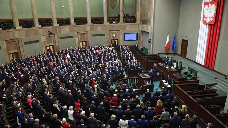 Marszałkowie oraz wicemarszałkowie Sejmu i Senatu wybrani. Zobacz relację z inauguracji parlamentu