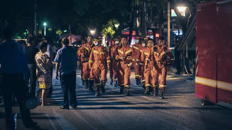 Chiny. 8 ofiar zawalenia się hotelu w Suzhou, trwają poszukiwania 9 osób