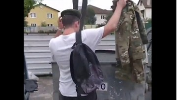 """Białoruscy wojskowi wyrzucają mundury, dziennikarze odchodzą z """"reżimowej"""" telewizji"""