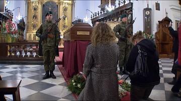 """65 lat czekał na pogrzeb. Legendarny """"Łupaszko"""" spocznie na Powązkach"""