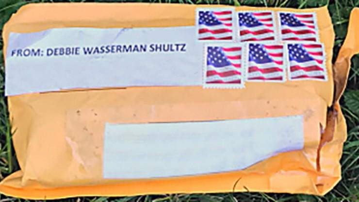 FBI potwierdza przejęcie dwóch podejrzanych przesyłek do kongresmenki