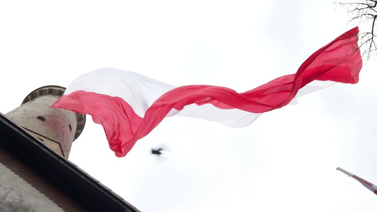 """Największa flaga na świecie zawisła w Świnoujściu. """"Nigdy nie będzie piękniejszej"""""""