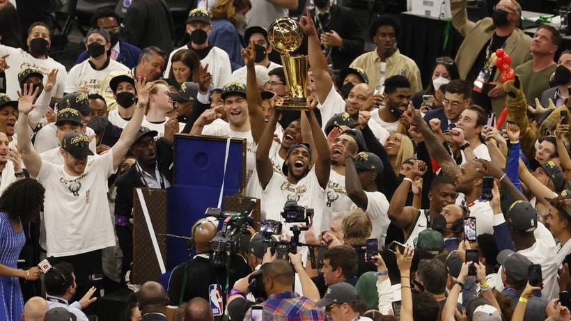 NBA: Milwaukee Bucks z mistrzostwem ligi!