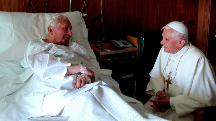 Nagła wizyta Benedykta XVI w Niemczech. Odwiedził chorego 96-letniego brata