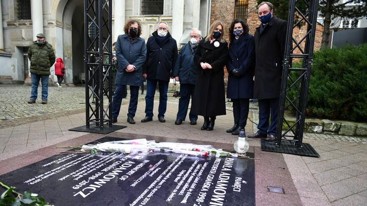 Śmierć Pawła Adamowicza. Biegli ustalają stan psychiczny sprawcy. Mają na to 30 dni